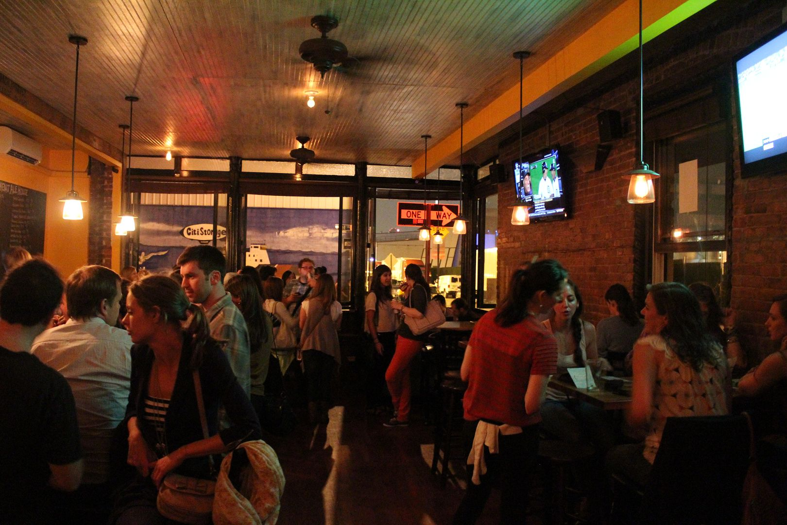 Kent Ale House- Williamsburg: Drink Here Now | LocalBozo